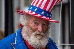 Princeton, Nowy Kwiecień 28, 2019: - bydło - Ten stary starszego obywatela mężczyzna z białym włosy, brodą i wąsy, ubierał w górę zdjęcia stock