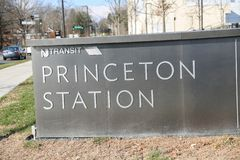 Princeton stationstecken royaltyfri foto