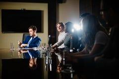Principale réunion d'affaires interne informelle de chef et d'entrepreneur Photos libres de droits