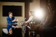 Principale réunion d'affaires interne informelle de chef et d'entrepreneur Image stock