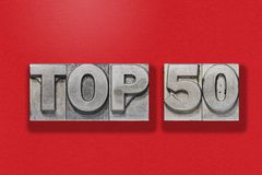 Principale 50 su rosso Fotografie Stock