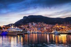 Principauté d'horizon de soirée du Monaco Photo libre de droits
