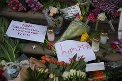 PRINCIPE HENRIK IS DEAD_PEOPLE PAY LUI RISPETTO Fotografie Stock