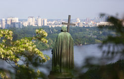 Principe Volodymyr il grande monumento sopra Dnipro a Kiev, Ucraina Fotografia Stock