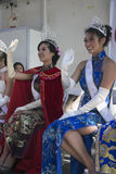 Principessa d'ondeggiamento a 115th Dragon Parade dorato, nuovo anno cinese, 2014, anno del cavallo, Los Angeles, California, U.S Fotografie Stock