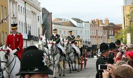 Principessa Eugenie & Jack Brooksbank Windsor, Regno Unito - 12/10/2018: Parata della processione di nozze di principessa Eugenie fotografia stock