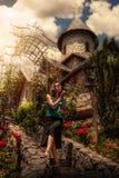Principessa vicino al castello Immagini Stock