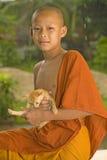 Principiante budista en Laos fotos de archivo