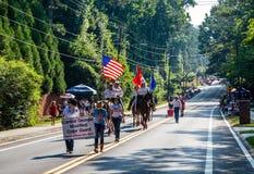 A principios de julio cuarto desfile Imagen de archivo