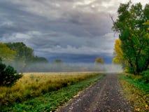 A principios de octubre niebla fotografía de archivo