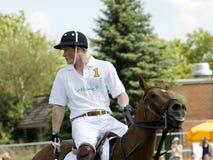 Prins Harry Playing Polo stock afbeeldingen