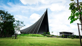 Prins Mahidol Hall De grote zaal als juist trefpunt voor de graduatie ceremon Stock Fotografie