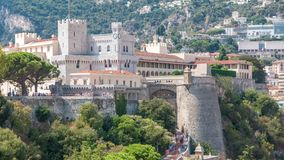 Prins` s Paleis van Monaco timelapse met observatiedek - het is de officiële woonplaats van de Prins van Monaco stock footage