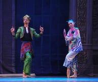 Prinsen och prinsessan av Japan det andra för handling för fältgodis i andra hand kungariket - balettnötknäpparen Arkivbild
