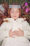 Prinsessa som sover magiskt pass fotografering för bildbyråer