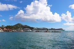 Prinsessan och MSC sänder i St Thomas, jungfruliga öar 12/13/17 för USA - kryssningskepp som anslutas i St Thomas Royaltyfri Foto