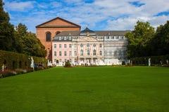 Prinsvalmanslotten och den roman basillicaen i Trier Royaltyfri Bild