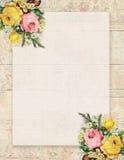 Printable rocznika szyka podławego stylu kwiecista róża stacjonarna na drewnianym tle Obraz Stock