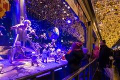 Printemps购物中心,巴黎,法国圣诞节陈列室  库存图片