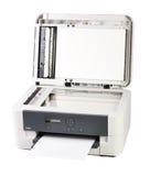 Printer en document op wit wordt geïsoleerd dat royalty-vrije stock foto's