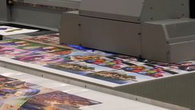 Printer head printing a large poster