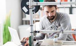 printing 3D i laboratoriumet Royaltyfri Fotografi