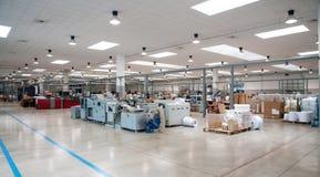 Printshop (завод печатания) - линия отделки стоковая фотография