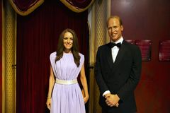 Prinz Williams und Kate Middleton in Madame Tussauds von Manhattan lizenzfreies stockfoto