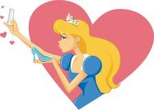 Prinzessin Cinderella Taking ein Selfie und Küssen ihres Schuhes Stockfotos