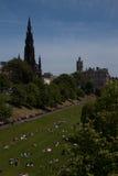 Prinzessin Street Gardens in Edinburgh an einem Sommertag Lizenzfreies Stockfoto
