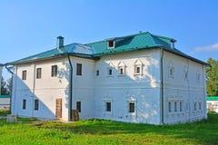 prior& x27; s案件& x28; 17世纪& x29;在Feodorovsky女修道院在Pereslavl-Zalessky,俄罗斯 库存照片