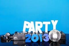 Priorità bassa 2013 del PARTITO con la piattaforma del DJ Fotografia Stock Libera da Diritti