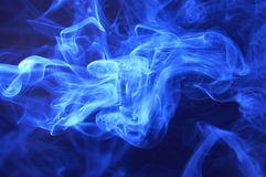 Priorità bassa blu dell'estratto del fumo fotografia stock