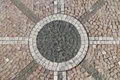 Priorità bassa cobblestoned della pavimentazione del granito Fotografie Stock Libere da Diritti