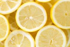 Priorità bassa con i limoni Fotografie Stock Libere da Diritti