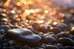 Priorità bassa con le pietre del mare. Fotografie Stock