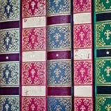 Priorità bassa dei vecchi libri Riga di vecchi libri Fotografia Stock
