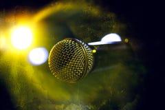 Priorità bassa del microfono Fotografia Stock Libera da Diritti