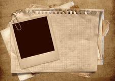 Priorità bassa dell'annata con il blocco per grafici del polaroid Immagini Stock Libere da Diritti