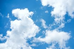 Priorità bassa delle nubi e del cielo blu Fotografia Stock Libera da Diritti