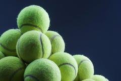 Priorità bassa delle sfere di tennis fotografia stock