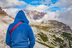 Priorità bassa di corsa Alpi delle dolomia in Italia Immagini Stock