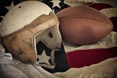 Priorità bassa di cuoio del casco di gioco del calcio dell'annata fotografia stock
