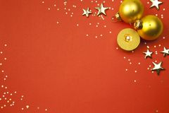 Priorità bassa di festa di natale con le stelle, sfere Fotografia Stock