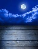 Priorità bassa di legno del cielo della luna piena Fotografia Stock