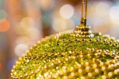 Priorità bassa di natale Fondo astratto festivo con le luci e le stelle defocused del bokeh fotografia stock libera da diritti