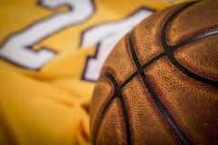 Priorità bassa di pallacanestro Palla, camicia, campo da giuoco Fotografia Stock