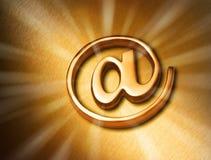 Priorità bassa di Web del Internet dell'oro Fotografie Stock Libere da Diritti