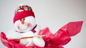 Priorità bassa rossa e bianca del pupazzo di neve di festa. Fotografia Stock Libera da Diritti