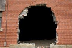 Priorità bassa rotta del muro di mattoni Immagine Stock Libera da Diritti